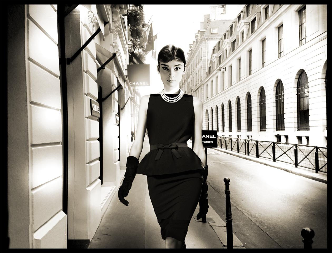 axel-crieger-Little-black-dress-AudreyHepburn-Fotocollage-auf-Musuemsleinwand-Edition12